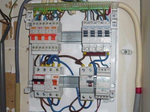 Elektriciteit aansluiten kosten
